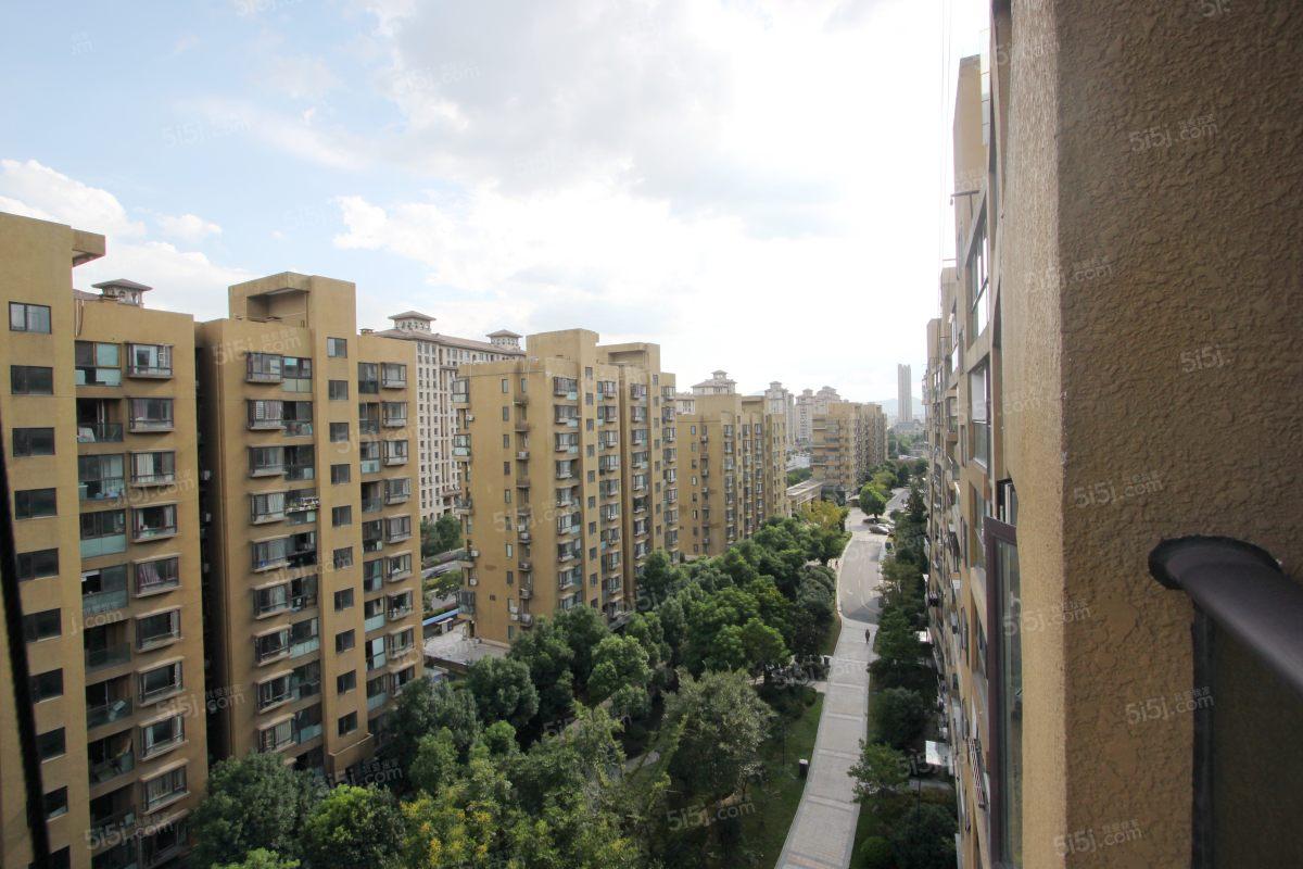 东厦东港,小三房,精装修,南北通透,拎包入住