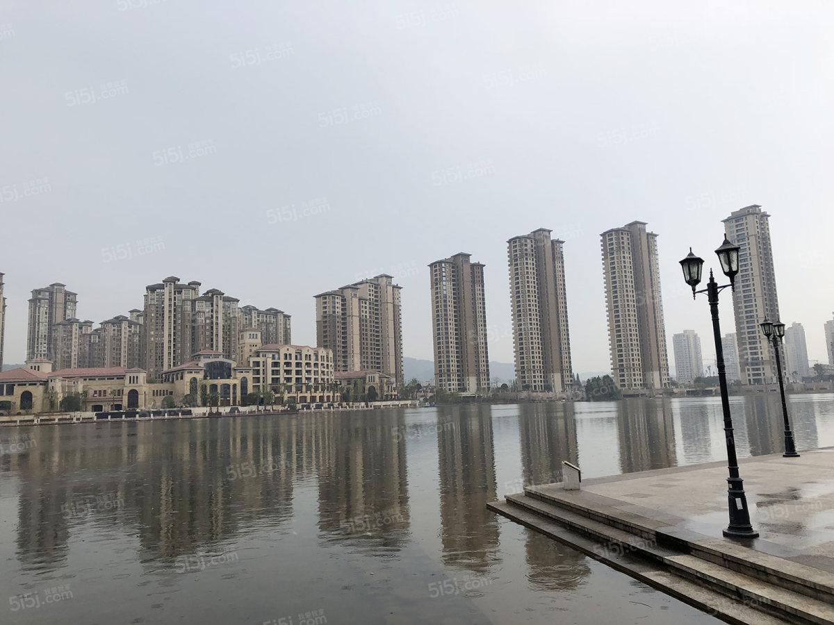 闲湖城图片