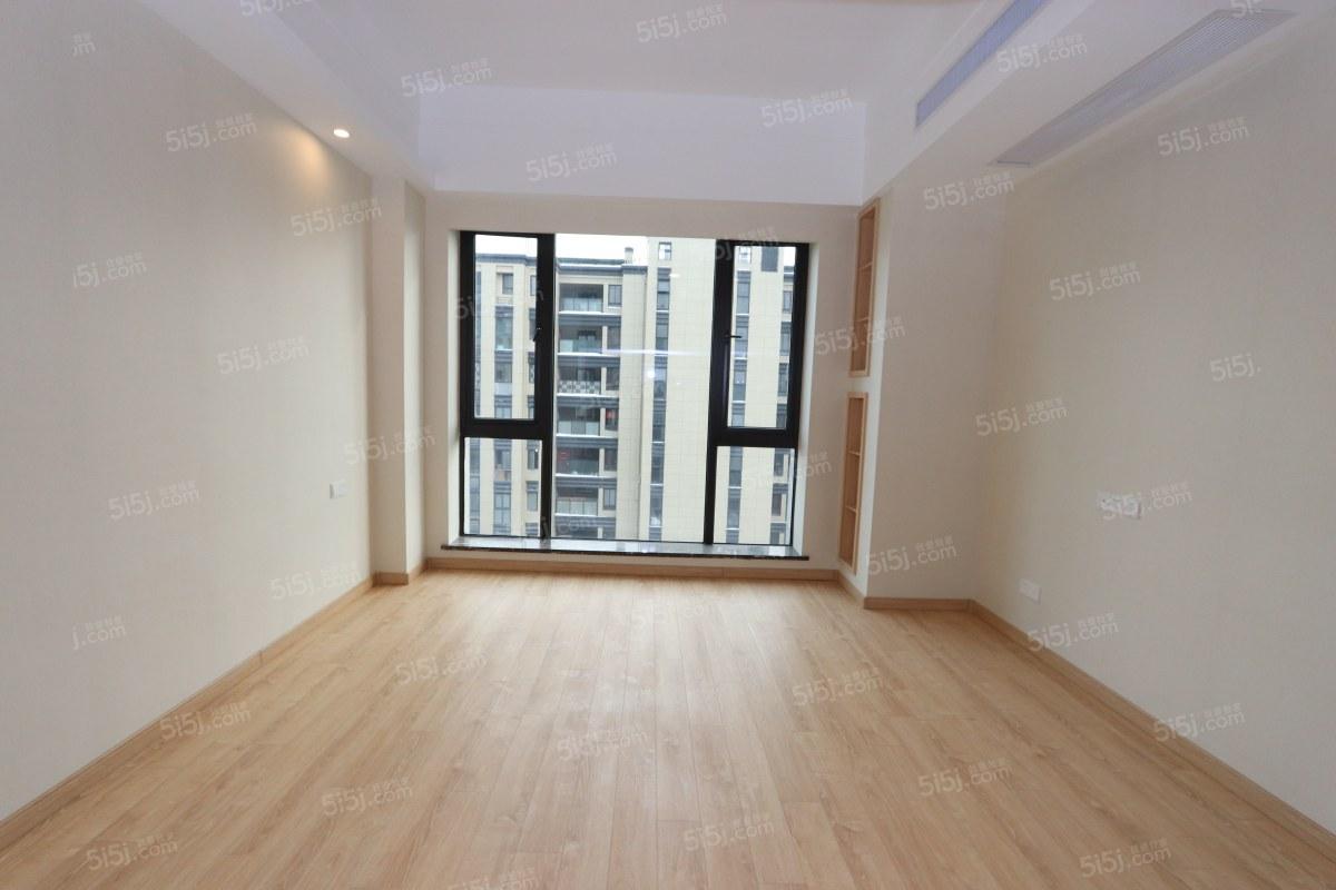 赞成府 1室1厅1卫 精装修 楼层好 户型正气 看房方便