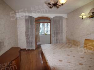 中间楼层 地段好 得房率高 价格便宜 房东诚心急卖