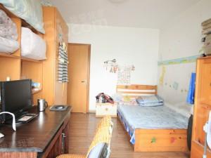 北景月桂苑精装修大三房,户型正气位置安静,你理想的家园!