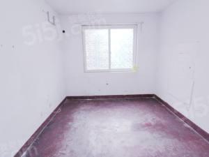 三里家园一区三开间朝南,得房率高,可以随意装修,看房有钥匙!