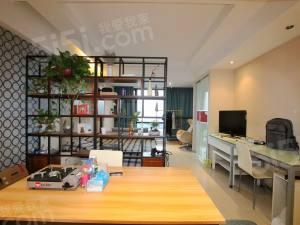 龙禧BOSS港 开发商精装 酒店式公寓 东南朝向 高楼层