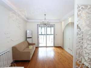 竹海水韵 精装小三房,楼层位置好,房东诚心出售