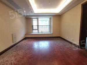 总价低于市场价房东置换,诚心出售,诚心客户价格可谈,欢迎看房