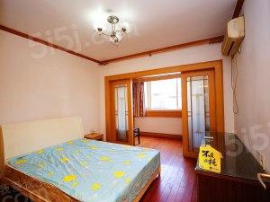 兴和公寓 房东诚心出售 房龄新 户型正气
