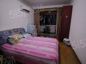 洁莲小区 新出两房 南北通途 中间楼层 小区中间 房东诚卖