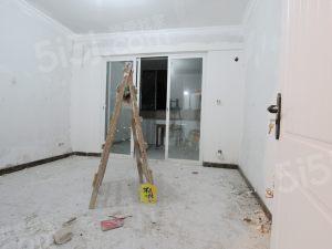江语海  纯边套三房两卫户型   南北通透  客厅带阳台