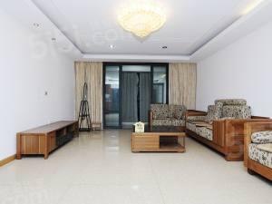 盛世嘉园 房东自住装修 满五年 楼层好 小区中间位置