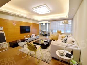 观邸国际寓所 房东自住精装,三房两卫户型,全明户型,看房方便